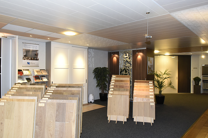 Showroom - Overzicht panelenplafonds in de showroom