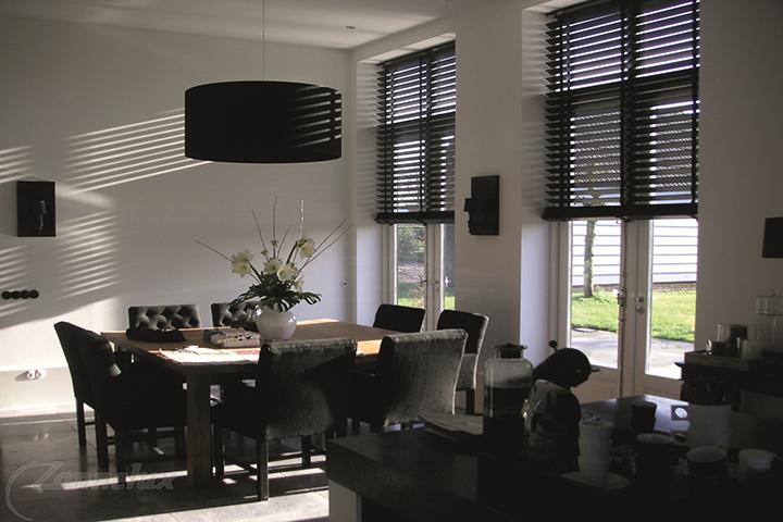 Raamdecoratie - Zonnelux Houten Jaloezie Eetkamer